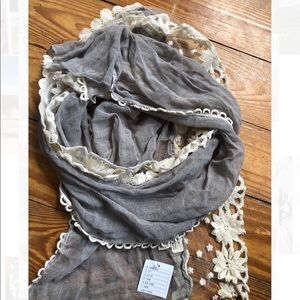 UO NWT Lace Scarf